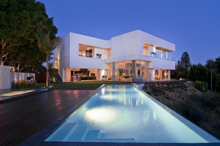 Luxury home in los angeles adelto adelto for Executive house lafayette la