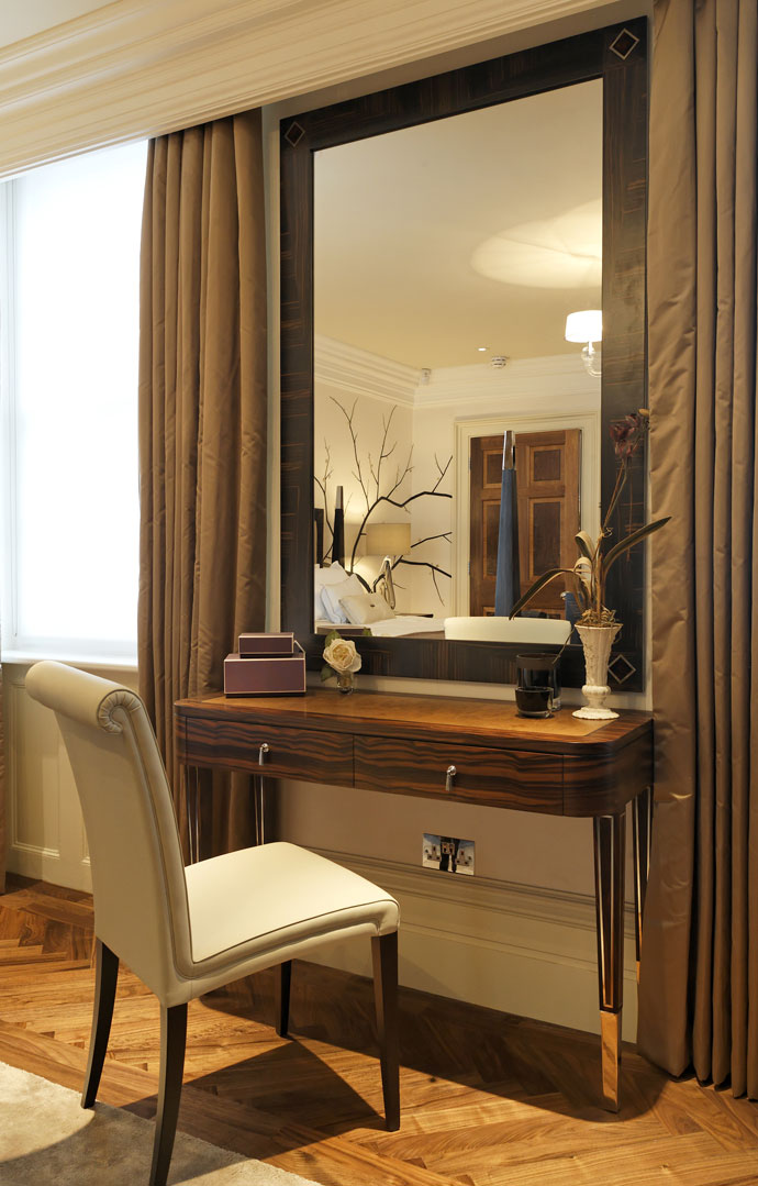 Belgravia property by rigby rigby adelto adelto for Designer furniture london