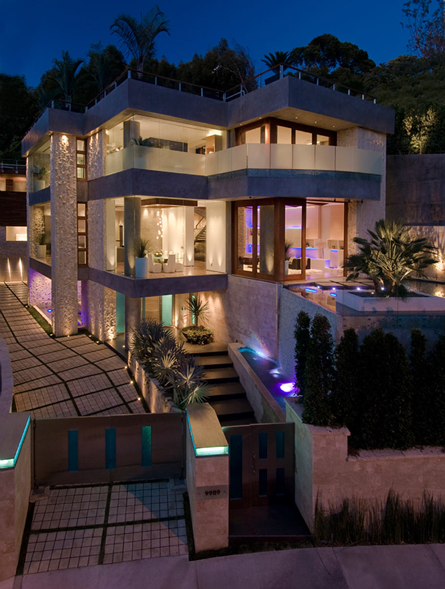 Luxury los angeles real estate for sale via ben bacal for Industrial modern homes for sale