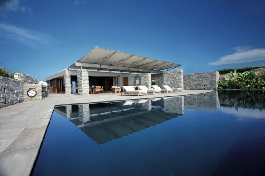 Luxury Residence in St. Barts by  Barnes Coy Architects