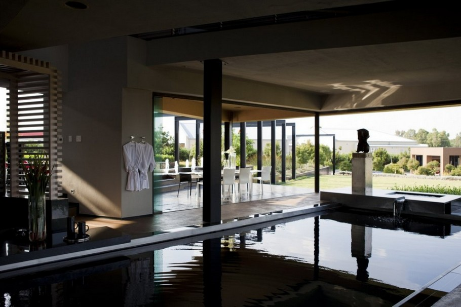 Contemporary  Home Pretoria, South Africa (12)