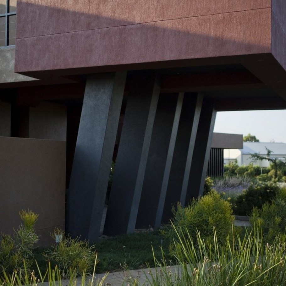 Contemporary  Home Pretoria, South Africa (23)