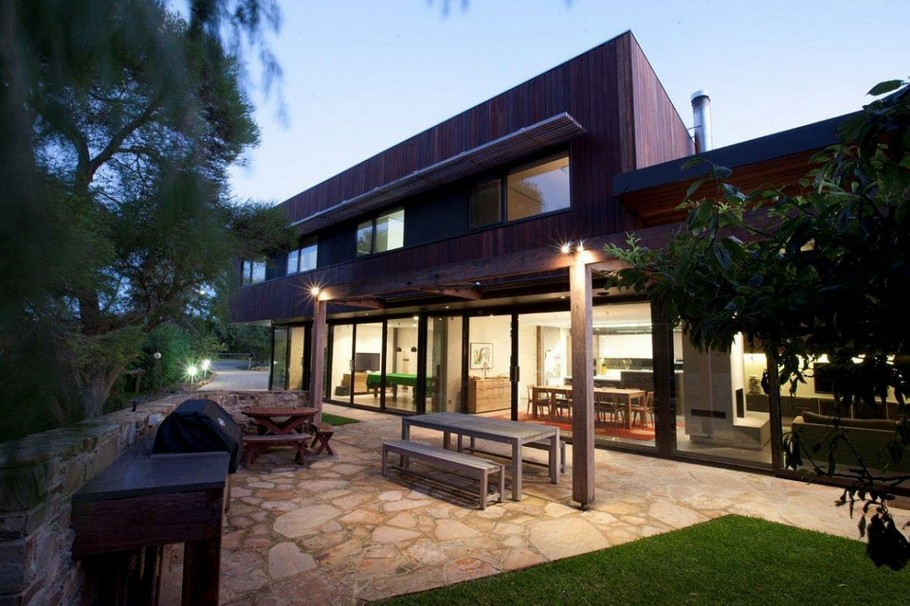 Contemporary Point-Lonsdale-Beach-House-01