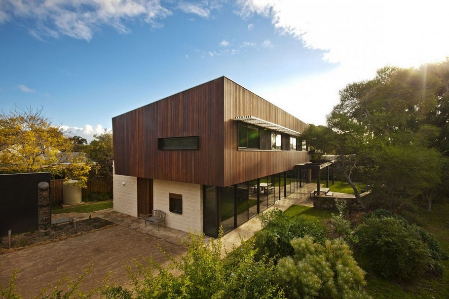 Contemporary Point-Lonsdale-Beach-House-04