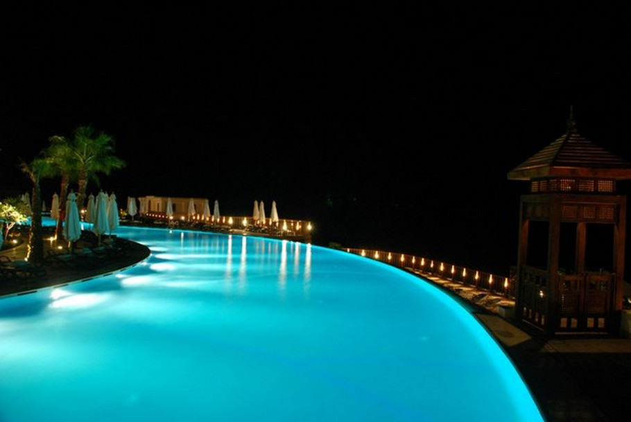 luxury-swimming-pools26