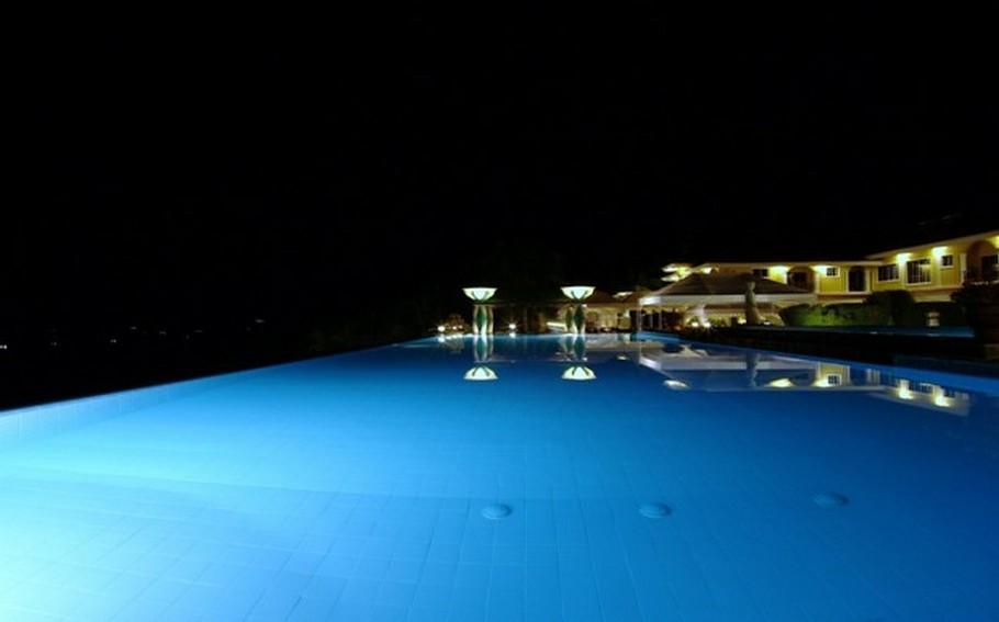 luxury-swimming-pools31