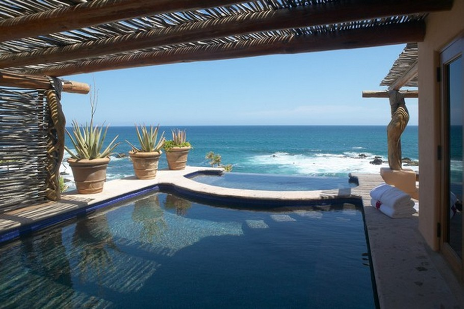 The top luxury swimming infinity pools from around the for Infinity pool design uk
