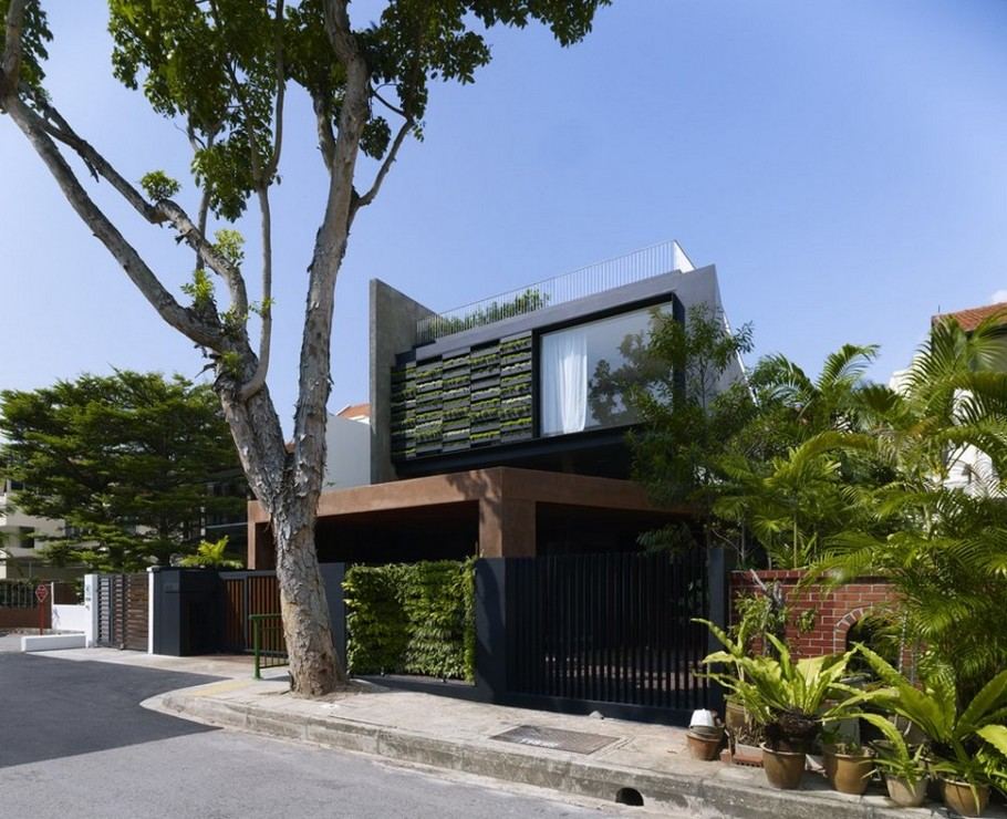 Contemporary house Singapore 1