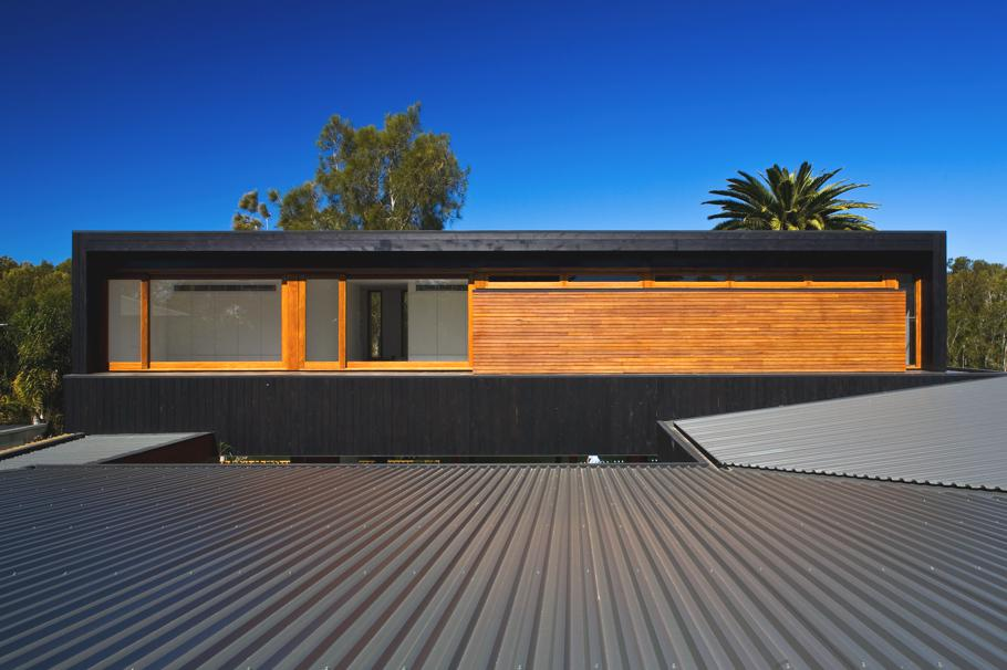Contemporary-Narrabean-House-Australia 16