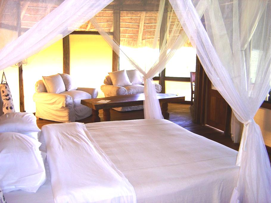 Luxury-Apoka-Lodge-Uganda 6