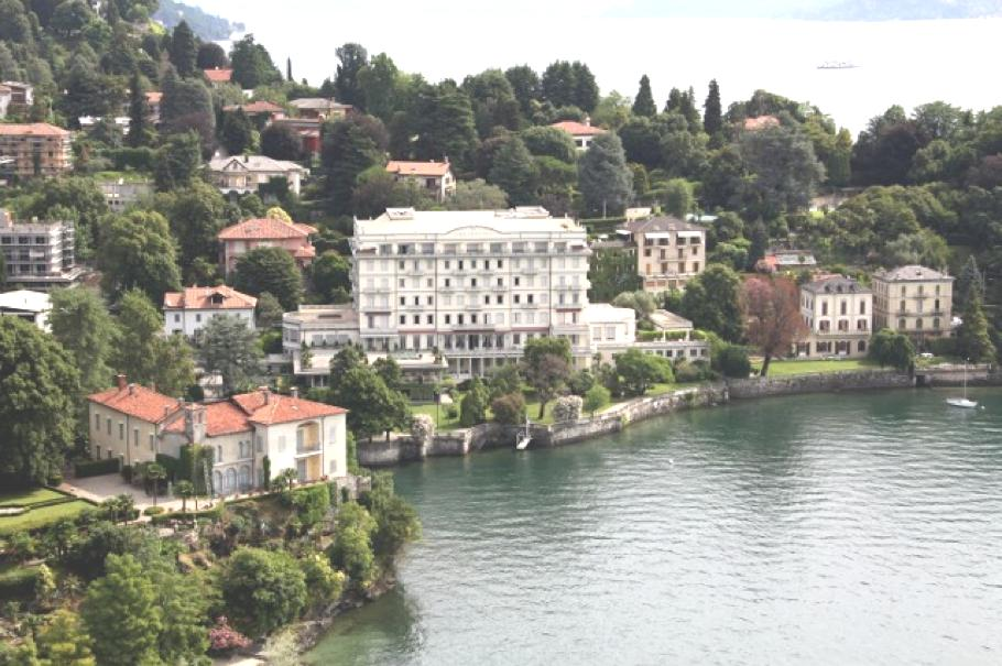 1Luxury-Grand-Hotel-Majestic-Italy 15
