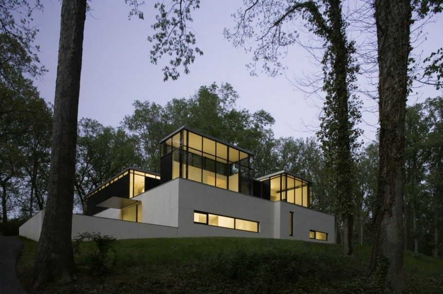 1 BlackWhite residence in Maryland by David Jameson Architect