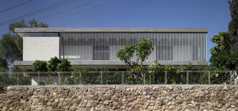 1 Rechter House by Pitsou Kedem Architects