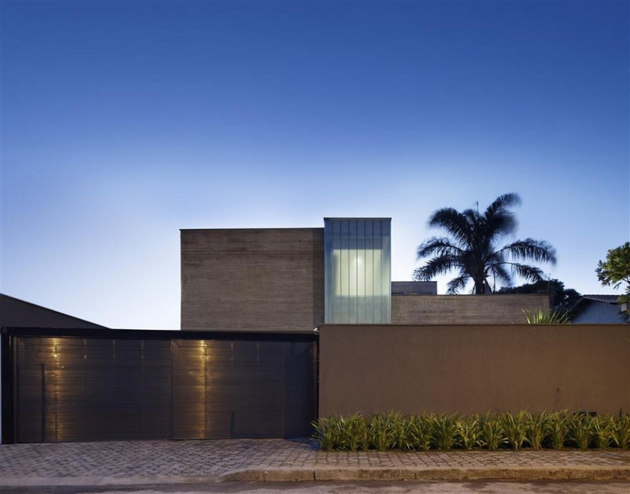 1 Residence in Belo Horizonte by Anastasia Architects