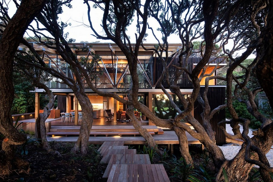 1 Under Pohutukawa Beach House by Herbst Architects