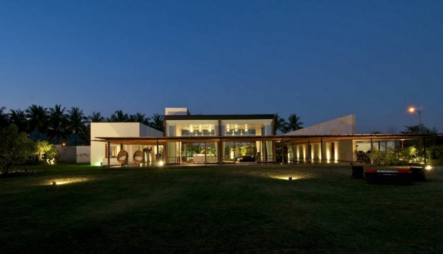 2 Khadakvasla House by SPASM Design Architects
