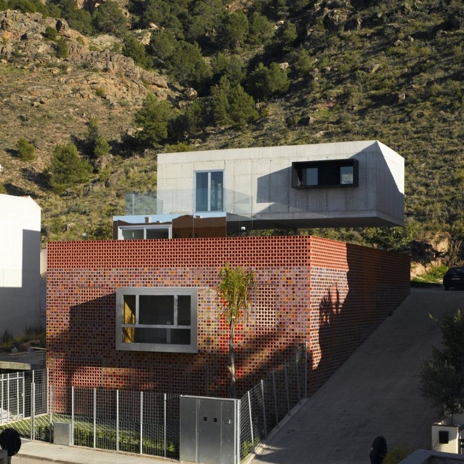 2 Luxurious Contemporary Torreaguera Atresados by XPIRAL