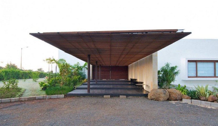 3 Khadakvasla House by SPASM Design Architects