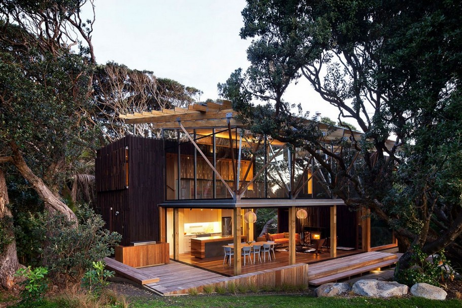 4 Under Pohutukawa Beach House by Herbst Architects
