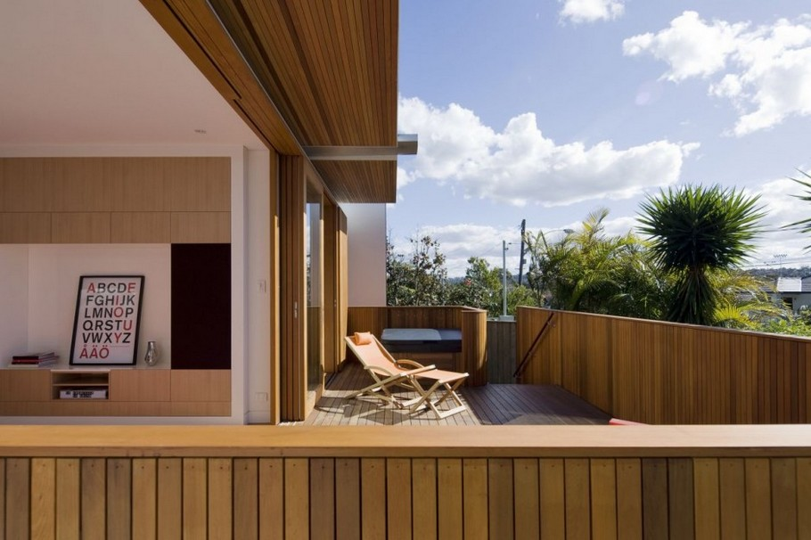 5 Curl Curl Beach House by CplusC Architects