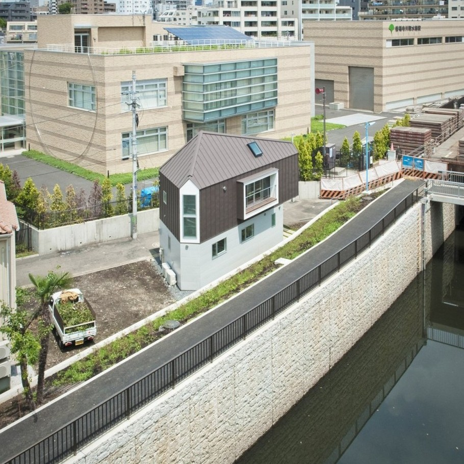 6 River Side House in Horinouchi by Mizuishi Architect Atelier