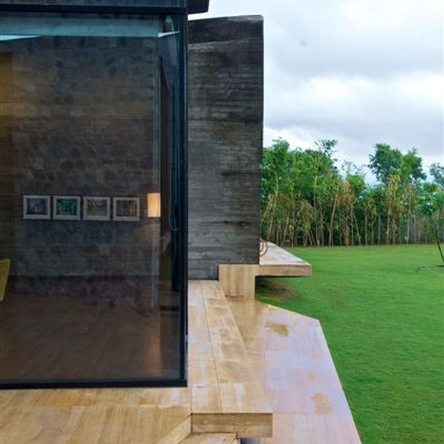 7 Luxury House by the Ganges River by Rajiv Saini & Associates