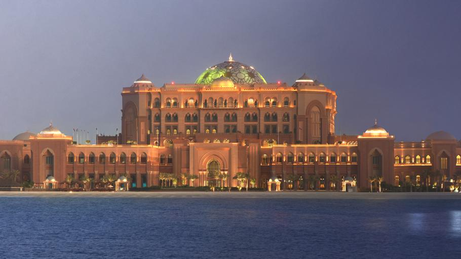 Luxury-Emirates-Palace-Abu-Dhabi 1