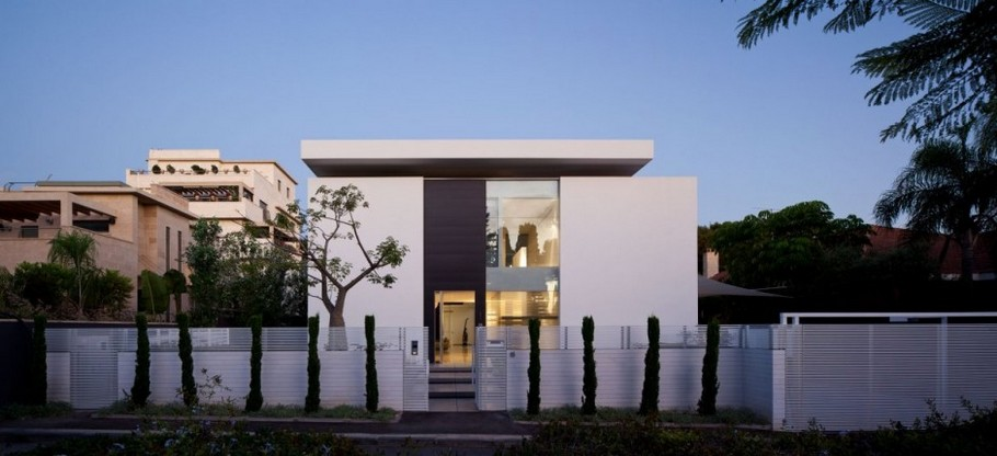 1 Haifa House by Pitsou Kedem Architects