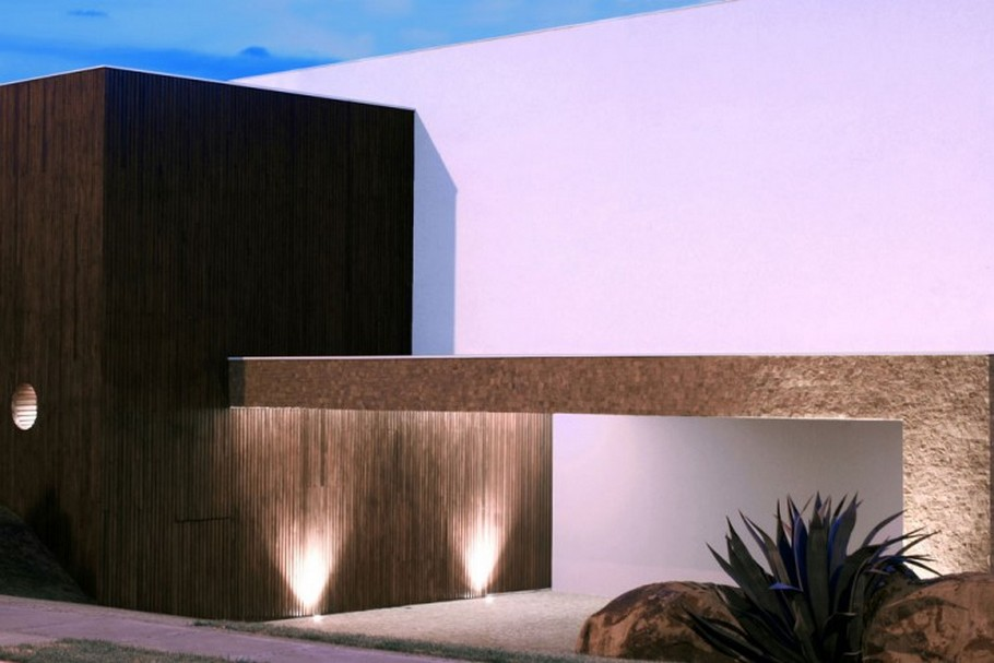 2 BL House by Studio Guilherme Torres