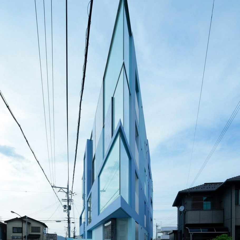 2 Modern 'On the Corner' Building by EASTERN Design Office