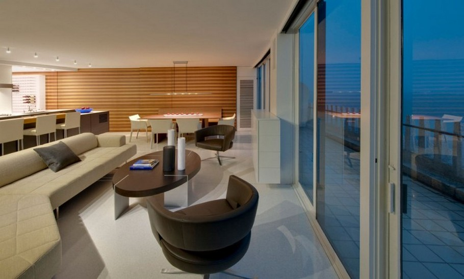 2 Watergate Apartment by Robert Gurney Architect
