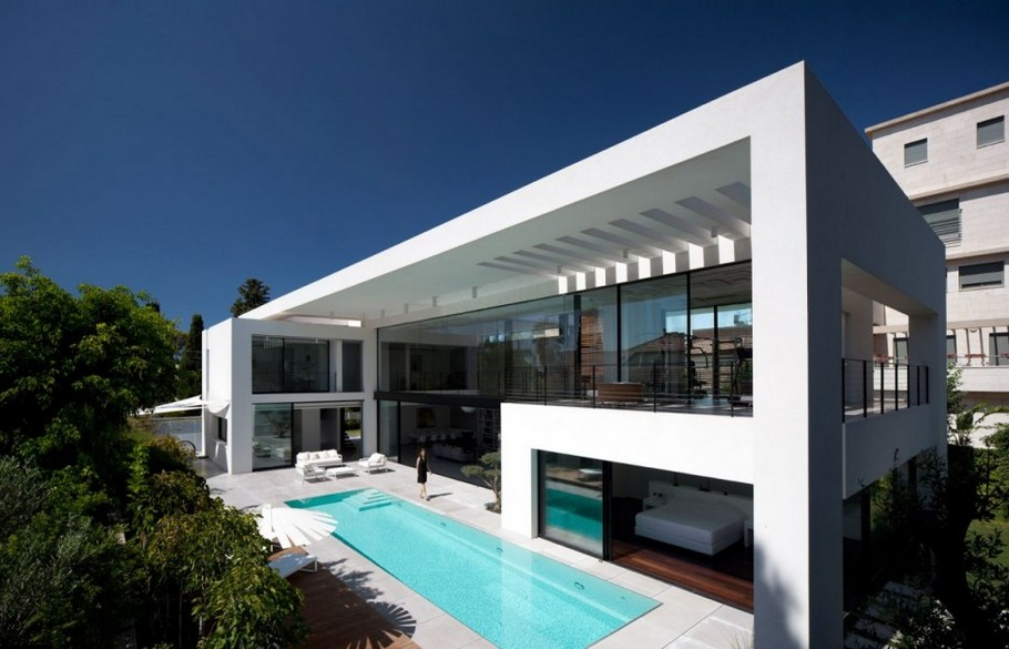 3 Haifa House by Pitsou Kedem Architects