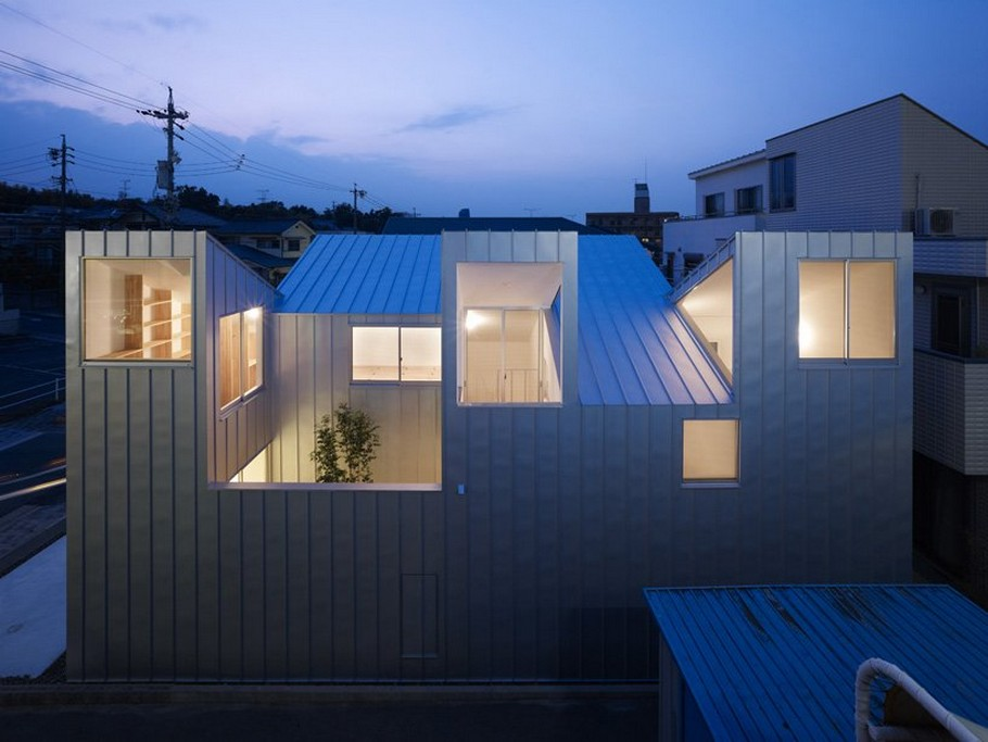 4 Complex House by Tomohiro Hata Architect and Associates