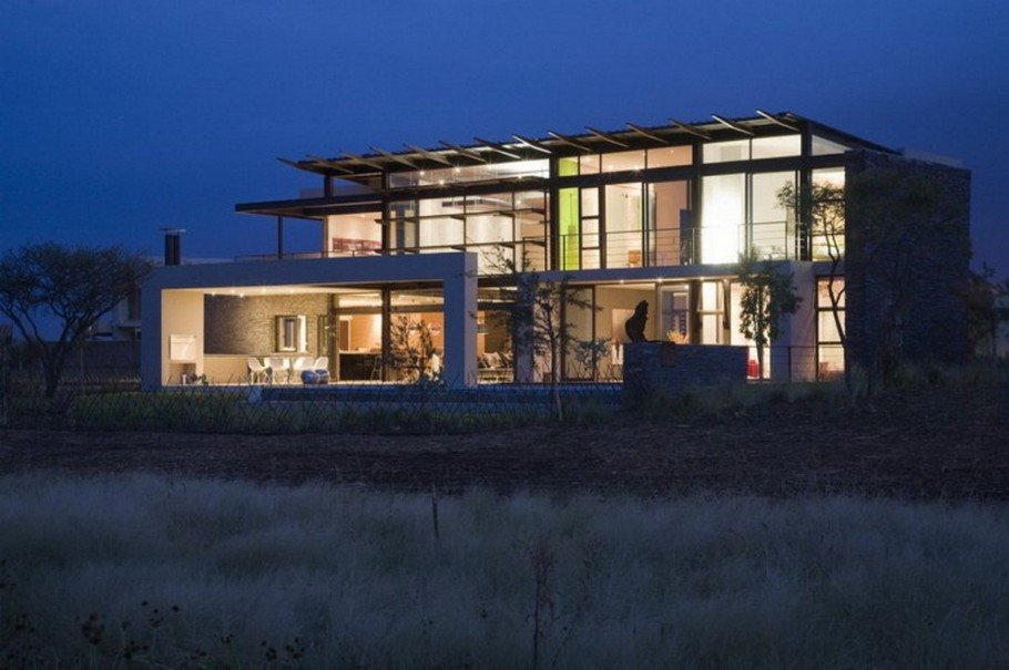 4 House Serengeti by Nico van der Meulen Architects