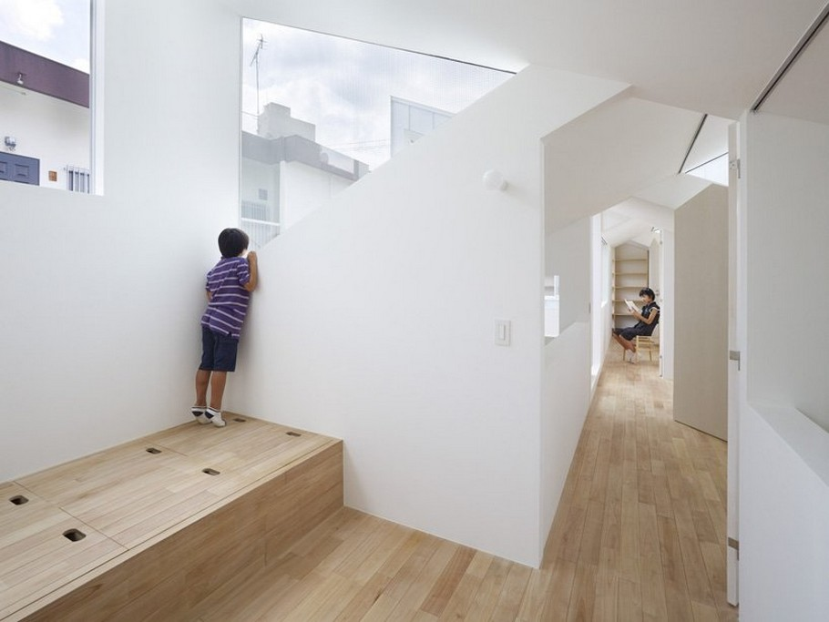 5 Complex House by Tomohiro Hata Architect and Associates