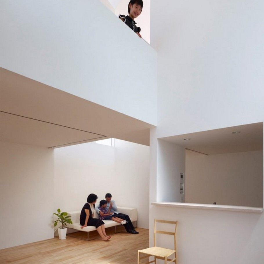 8 Complex House by Tomohiro Hata Architect and Associates