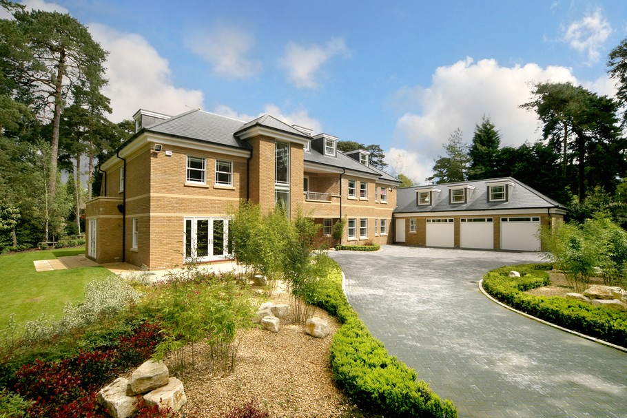 Luxury Home For Sale In Surrey, England  (15)
