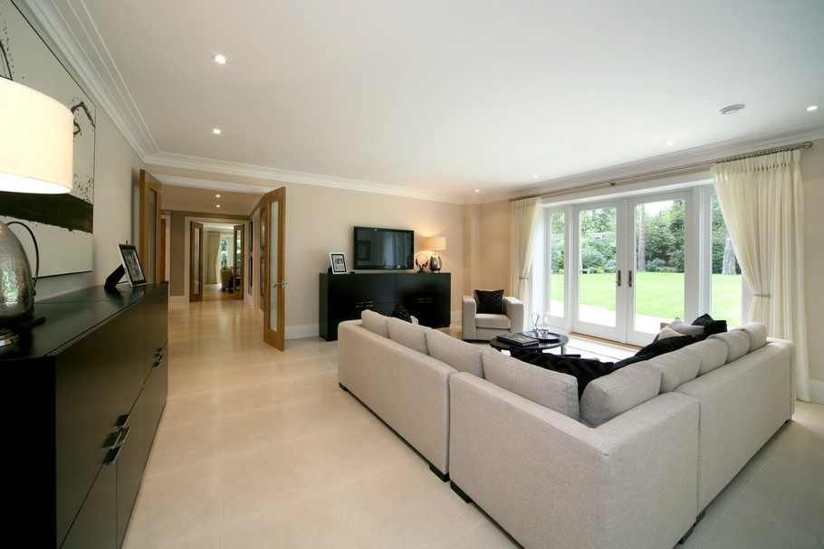 Luxury Home For Sale In Surrey, England  (2)