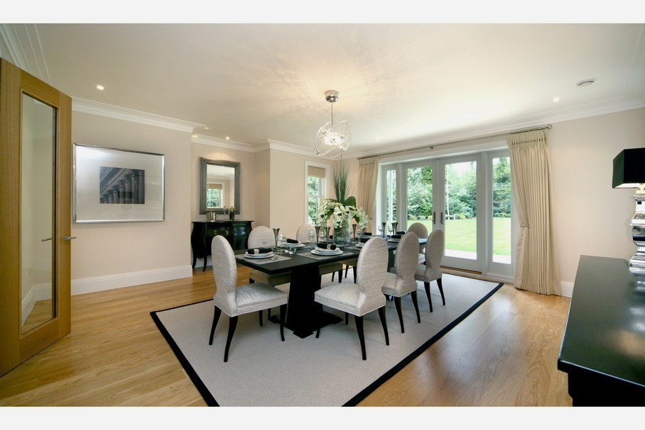 Luxury Home For Sale In Surrey, England  (22)