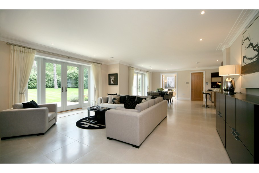 Luxury Home For Sale In Surrey, England  (24)