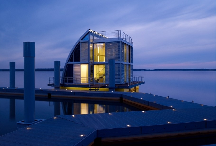 Contemporary Floating Home in the Lusatian Lake District, Germany (1)