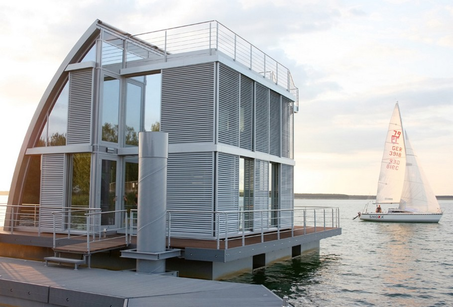 Contemporary Floating Home in the Lusatian Lake District, Germany (11)