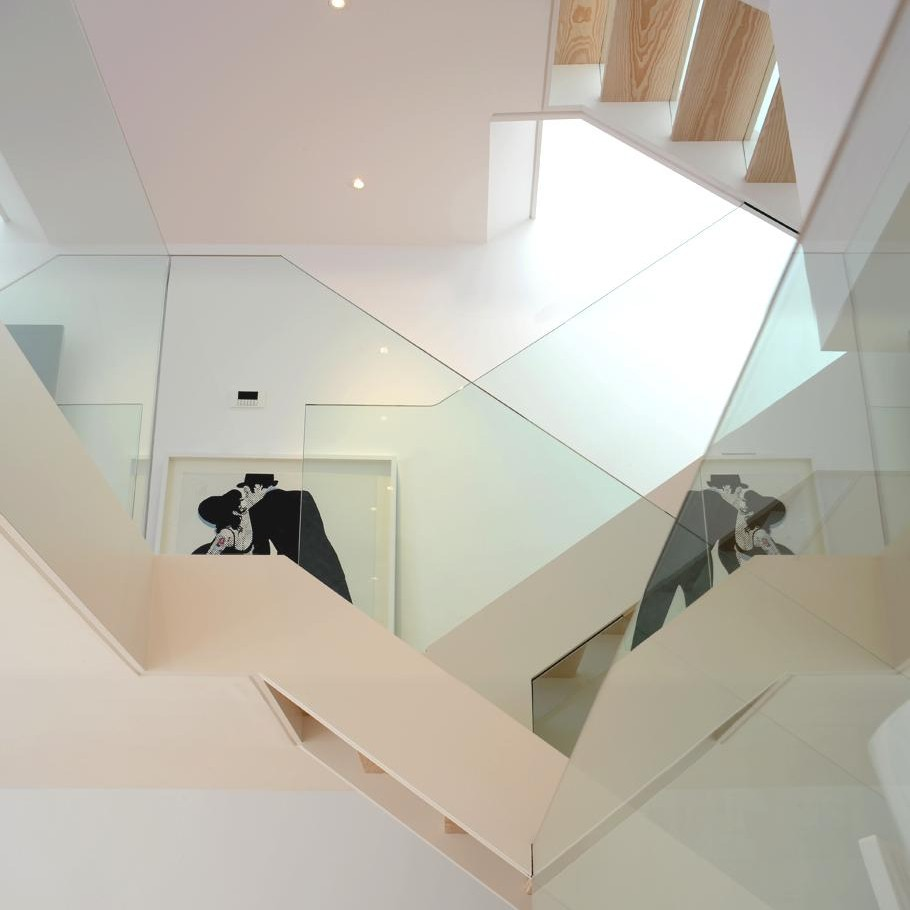 Contemporary-London-Apartment-03