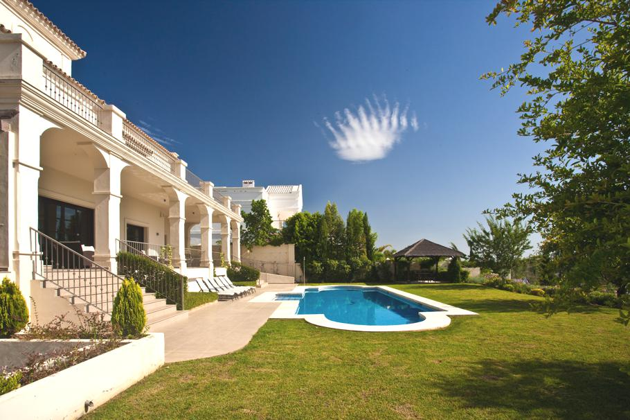 Contemporary-Spanish-Villa-Marbella-09