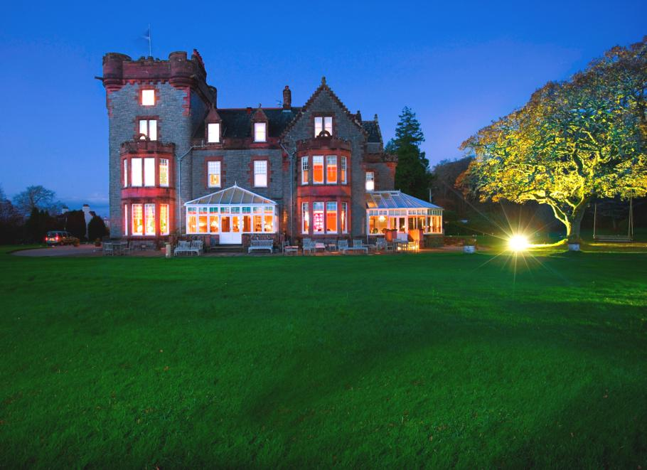 Luxury-Hotel-Isle-Of-Eriska-Scotland-02