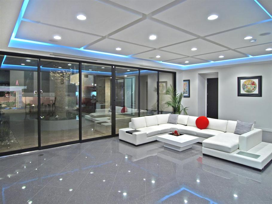 Luxury-Las-Vegas-Apartment-Tenaya-Residence-12