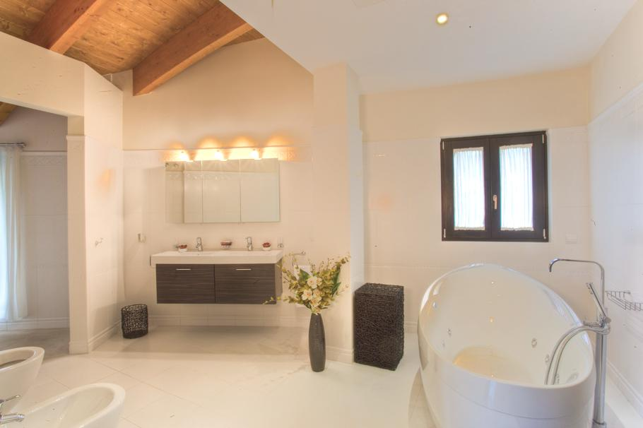 Luxury-Spanish-Villa-Marbella-04
