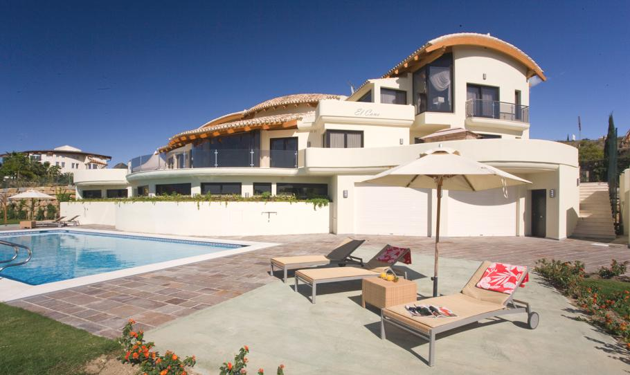 Luxury-Spanish-Villa-Marbella-05