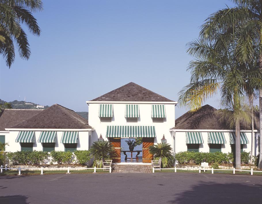 Luxury-Round-Hill-Hotel-Jamaica 11