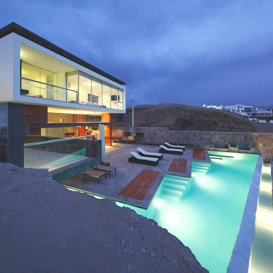 Contemporary cn beach house peru adelto adelto for Contemporary beach house